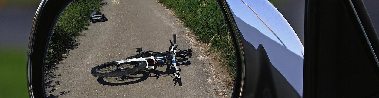 Aansprakelijk voor letselschade door appen op de fiets   Letselschade Test